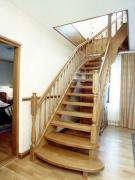 Двери и лестницы из натуральной древесины