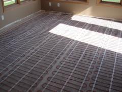 Installation of warm floor electric